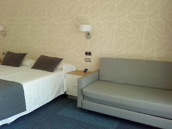 Hotel RH Corona del Mar: Bedroom on 7th floor