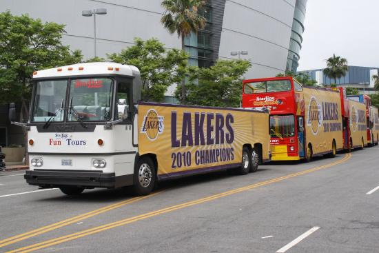 Starline Tours: Starline at the Laker Parade!