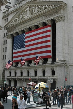 Metropolitan Walks : See the New York Stock Exchange
