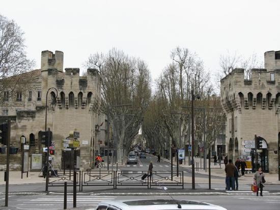 Hotel Boquier: From the train station, go through the gates two blocks and turn left/De la gare, passez la mura
