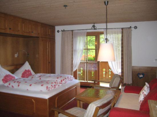 Hotel Garni Gästehaus Edlhuber: The Schmalzer apartment.