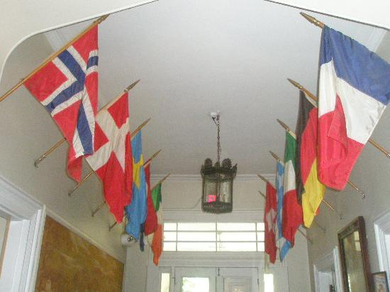 Hostelling International - Chamounix Mansion: Entry Hall with Flags
