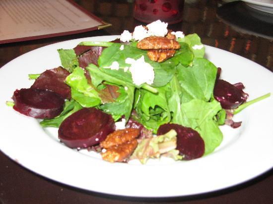 Firefly Kitchen & Bar : Roasted beet salad