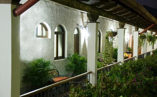 Casa Florencia Hotel: Upper Level