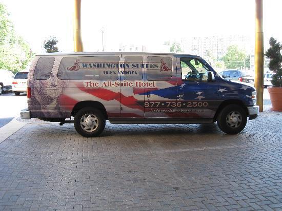Washington Suites Alexandria: Shuttle Van