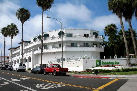 Holiday Inn San Clemente: View from the street