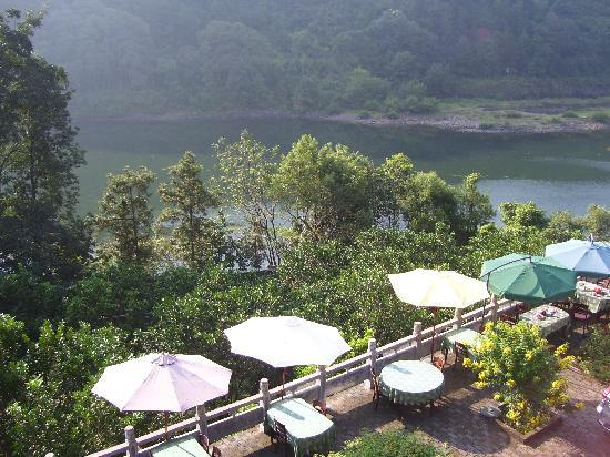 Li River Resort : From room balcony on outdoor restaurant and view