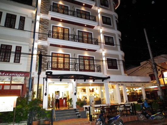 Lao Silk Hotel: Lao Silk Hotel's building