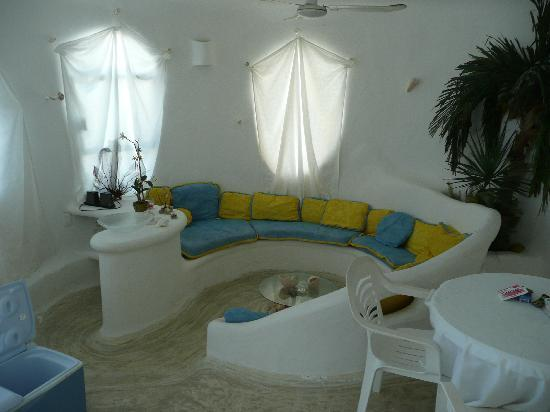 The Shell house: The Incomparable Shell House, Isla Mujeres -- living room