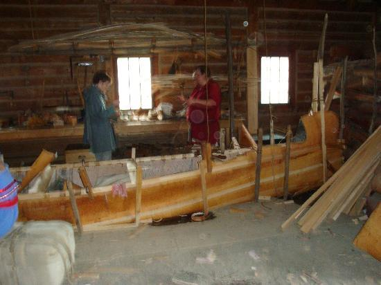 Fort William Historical Park: Craftsmen constructing a birch bark canoe.