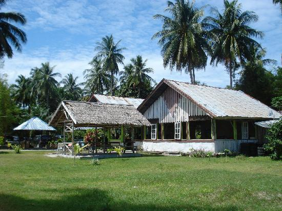 Kelayang Beach Cottages : Restaurant and main area