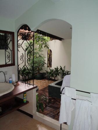 La Palmeraie d'Angkor: Bathroom