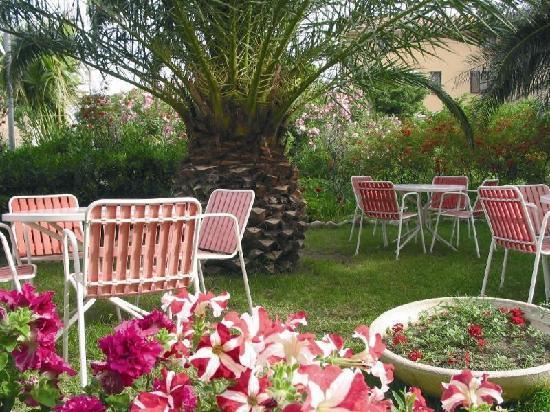 Hotel Maria Stella : jardin