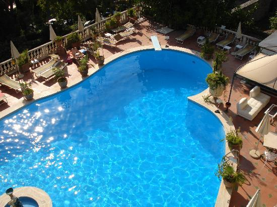 Taormina Park Hotel: Pool from our balcony