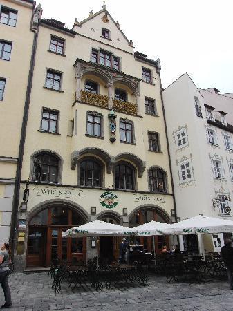 Wirtshaus Ayingers: Blick auf das Ayingers vom Hofbräuhaus