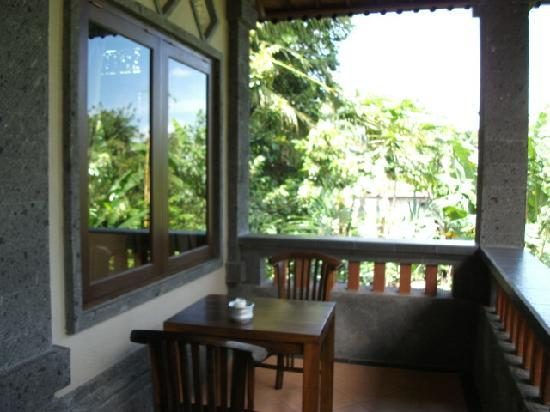 Prasanti Bed & Breakfast : Balcony