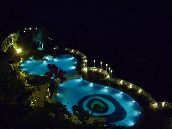 Ephesus Princess: pool by night