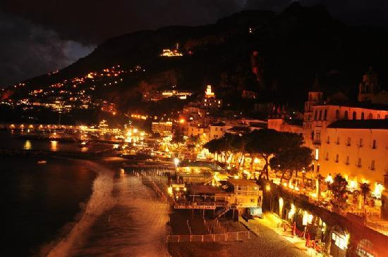 Hotel Marina Riviera: The view of Amalfi from our balcony at night
