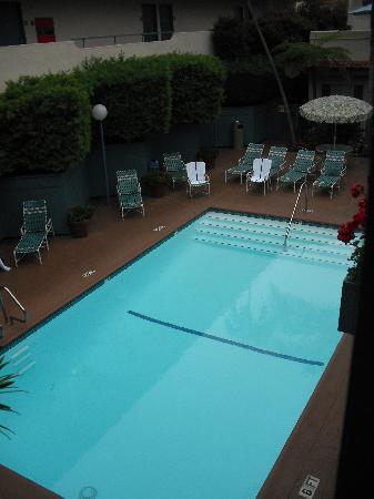 Best Western Beachside Inn: pool - lovely and quiet (and warm!)