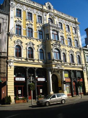 Arrivia Bed & Breakfast: One of renovated buildings at Piotrkowska Street