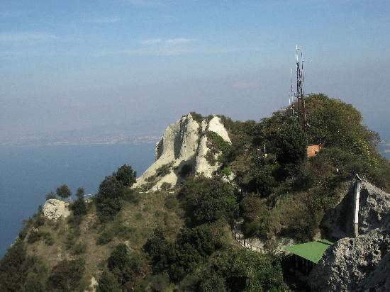 La Rotonda Sul Mare: Mt. Epomeo easy bus ride and climb