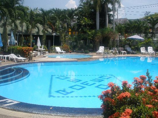 Romeo Palace Hotel: Pool