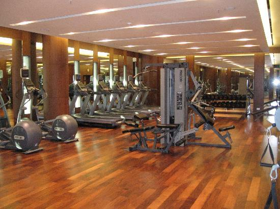 Courtyard Seoul Times Square: Fitness facility