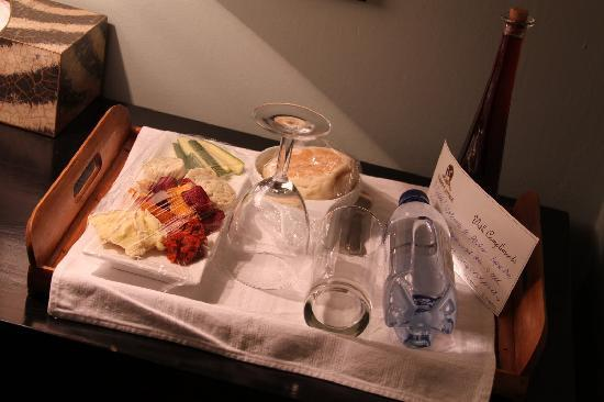 Parker Cottage: I arrived late, and this was waiting for me in my room.