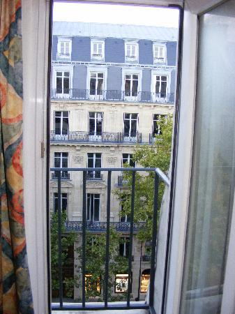 Hotel Residence Villiers: View from room window/balcony