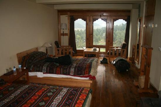 Phobjikha Valley, Μπουτάν: Dewachen hotel room and view