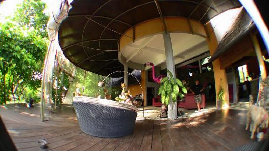 Puri Rohani Villas : Fabulously funky architecture