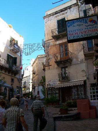 Lipari, Italy: Typical old town street scene