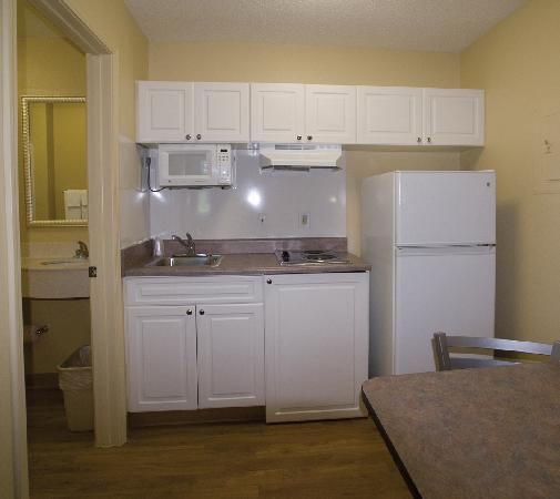 InTown Suites Dallas North / Plano: Each room has a kitchenette with full size fridge!