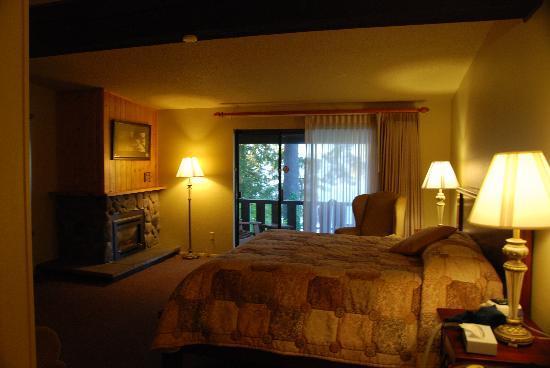 fireplace room picture  lake quinault lodge tripadvisor