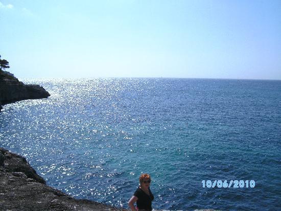 Hostal Playa Mondrago: Cala Mondrago bay