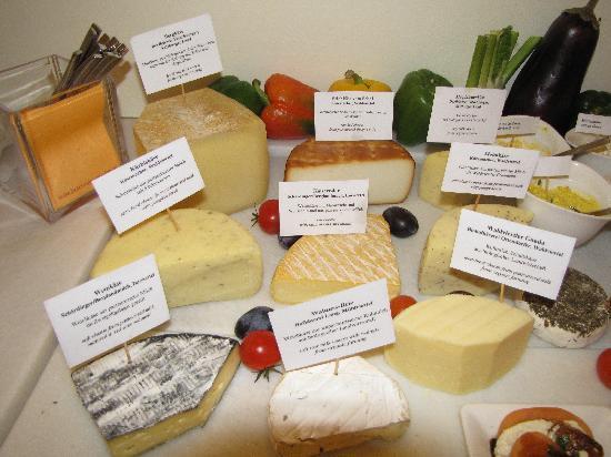 Hotel Rathaus Wein & Design : Cheeses were wonderful