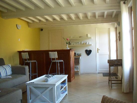 sala e cucina - Picture of Le Fond de la Cour, Honfleur - TripAdvisor