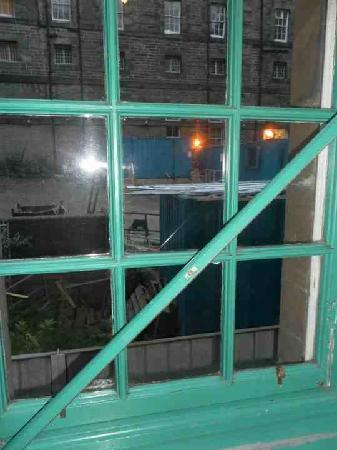 Cowgate Tourist Hostel: The 'beautiful' view