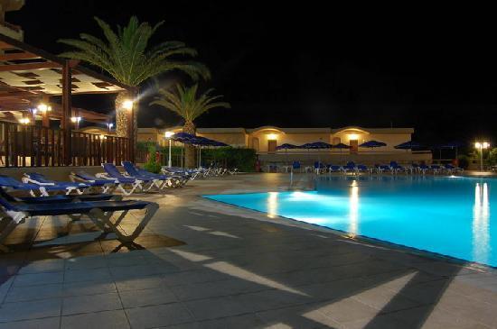 Sun Beach Resort Complex: Sun Beach 1 swimming pool