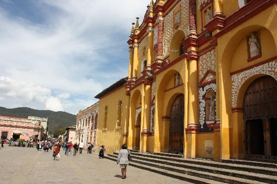 San Cristobal de las Casas, Mexico: Church in center of town
