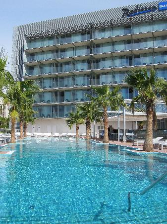 Radisson Blu Resort Split : Der Swimming-Pool des Hotels