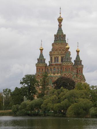 Church at pederhof foto di san pietroburgo russia nord - San pietroburgo russia luoghi di interesse ...