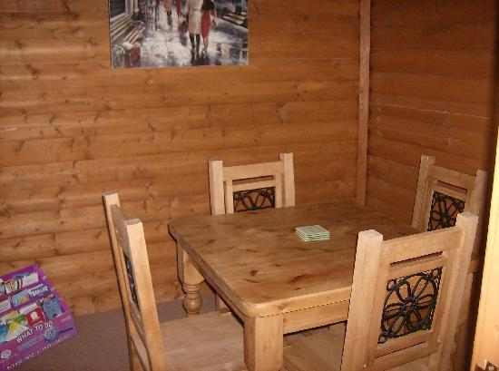 Tantara Woodland Lodges: Dining room