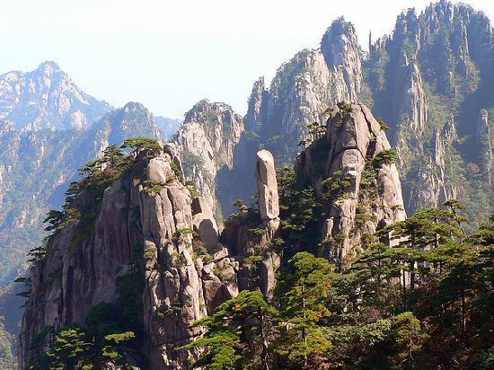 Mt. Huangshan (Yellow Mountain) : Huangshan's stunnning scenery