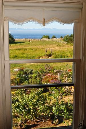 San Juan Island, WA: A Hall with a View