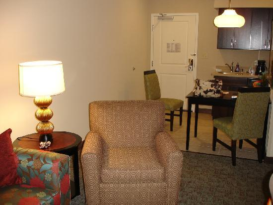 Homewood Suites Dallas/Allen: Living Area