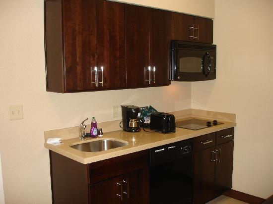 Homewood Suites Dallas/Allen: Kitchen