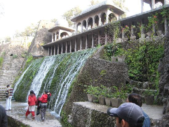 Chandigarh, India: rock garden waterfall