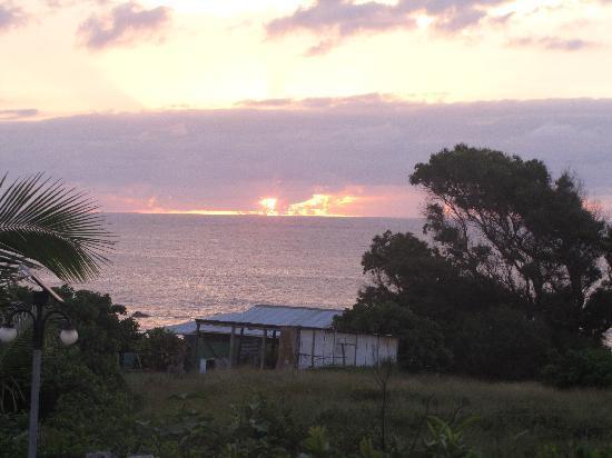 Cabanas Pikera Uri: por do sol durante o jantar