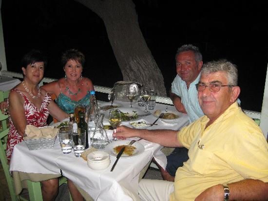 Villa Renos: DINNER WITH ZINA AND PETROS